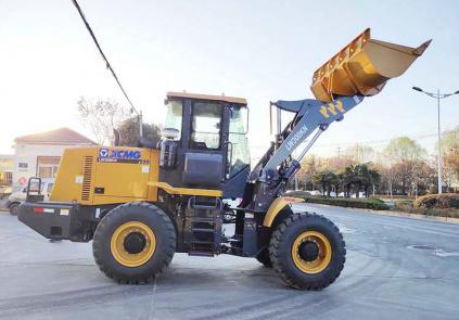 Поставка погрузчика LW300KN в адрес крупнейшей коммунальной компании Кузбасса